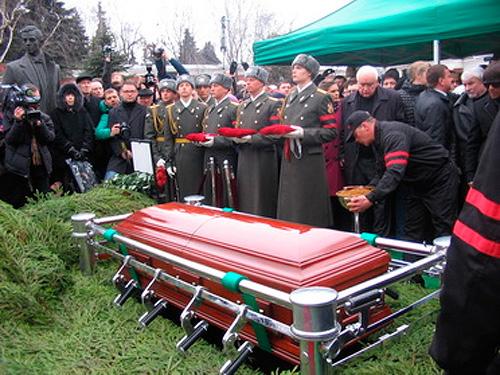 фото гурченко в гробе фото лицо