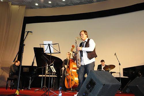 Джазовый фестиваль Весна в Суздале 2008: Трио Даниила Крамера и Антон Румянцев (саксофон)